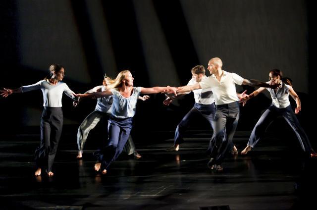 Zenon Dance Company performing 'Storm'