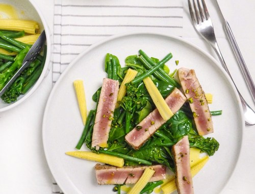 tuna steak with salad low calorie dinner