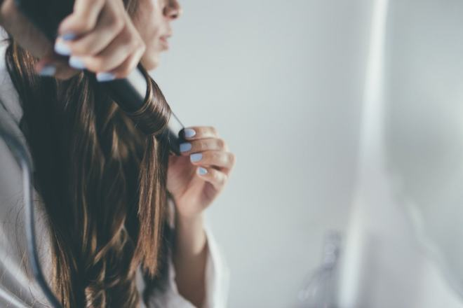 curl-hair-with-flat-iron