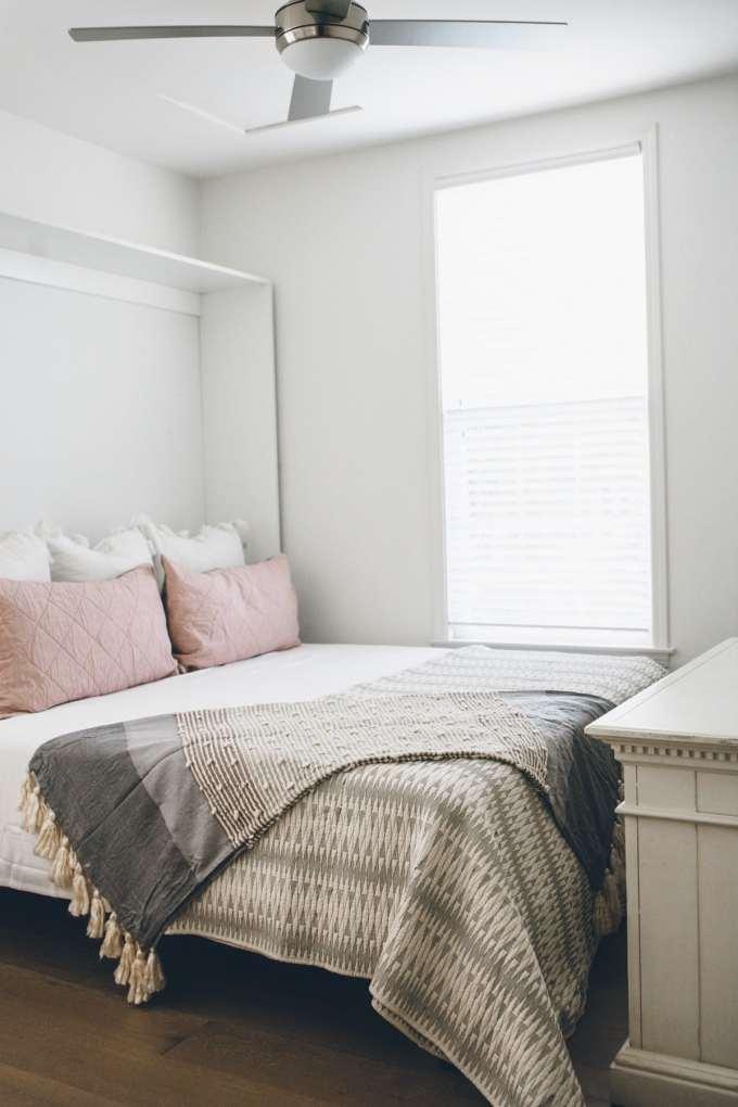 bloomingdales home bed in big brown box