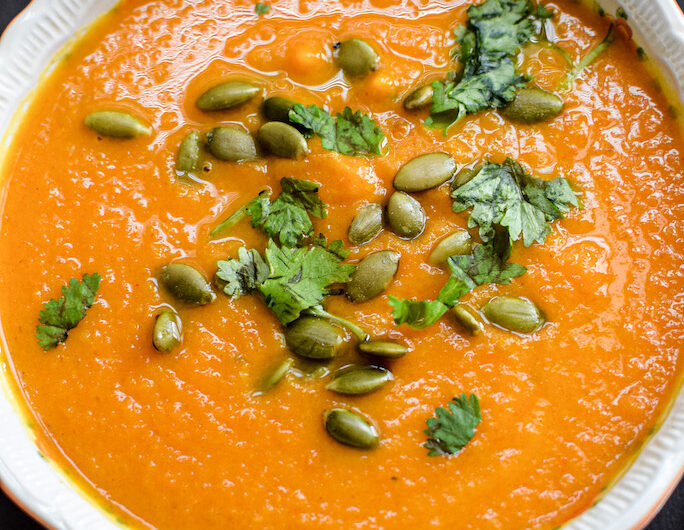 Fall Sweet Potato and Carrot Curry Soup