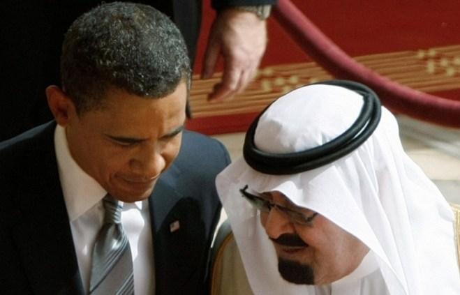 King Abdullah of Saudi Arabia, right, speaks with US President Barack Obama, during arrival ceremionies at the Royal Terminal of King Khalid International Airport, in Riyadh, Saudi Arabia, Wednesday, June 3, 2009. (AP Photo/Hassan Ammar)