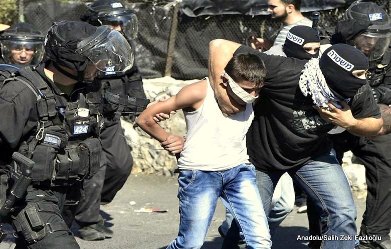 Israeli forces arrest a Palestinian child