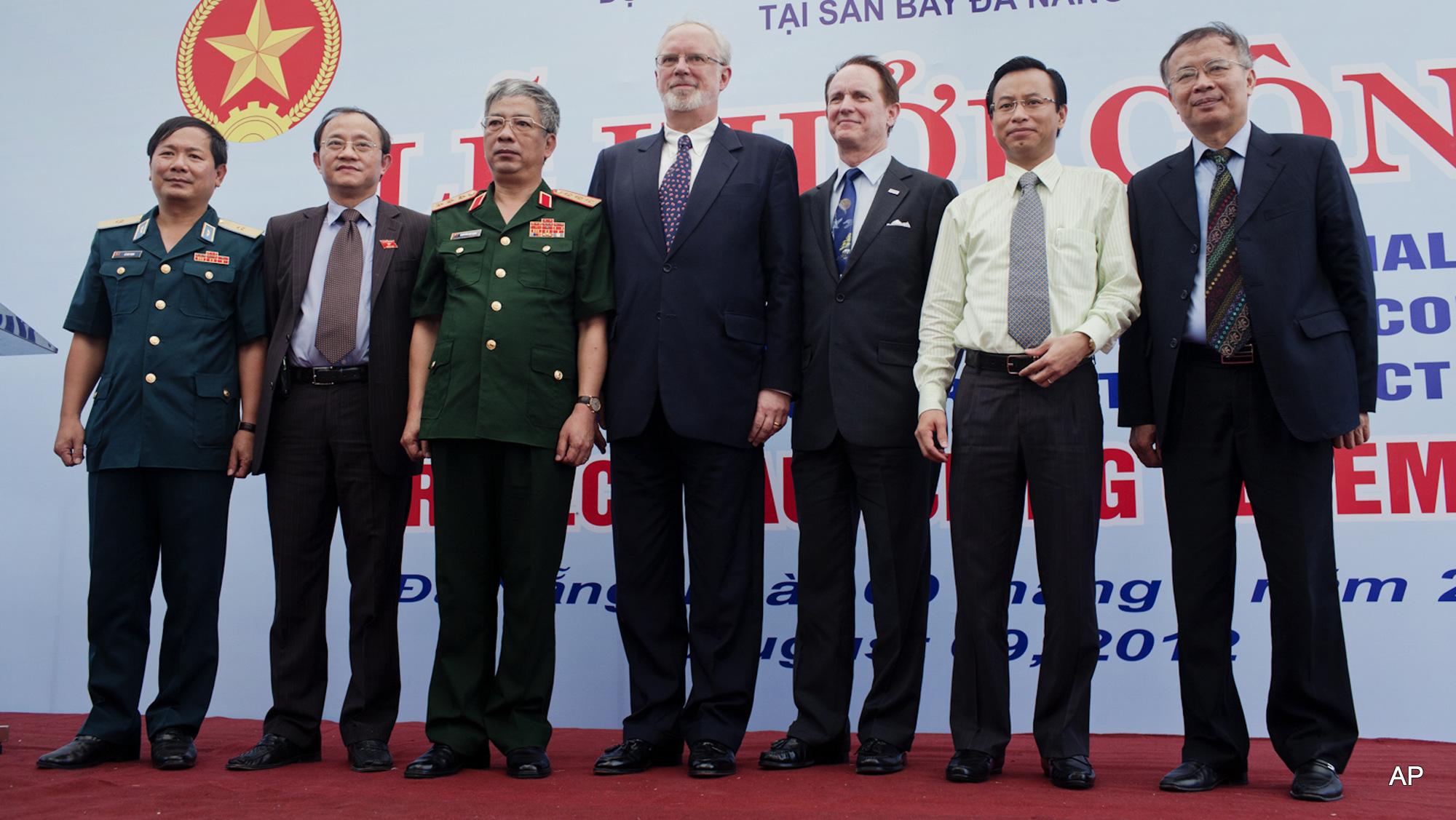 David Shear Nguyen Chi Vinh