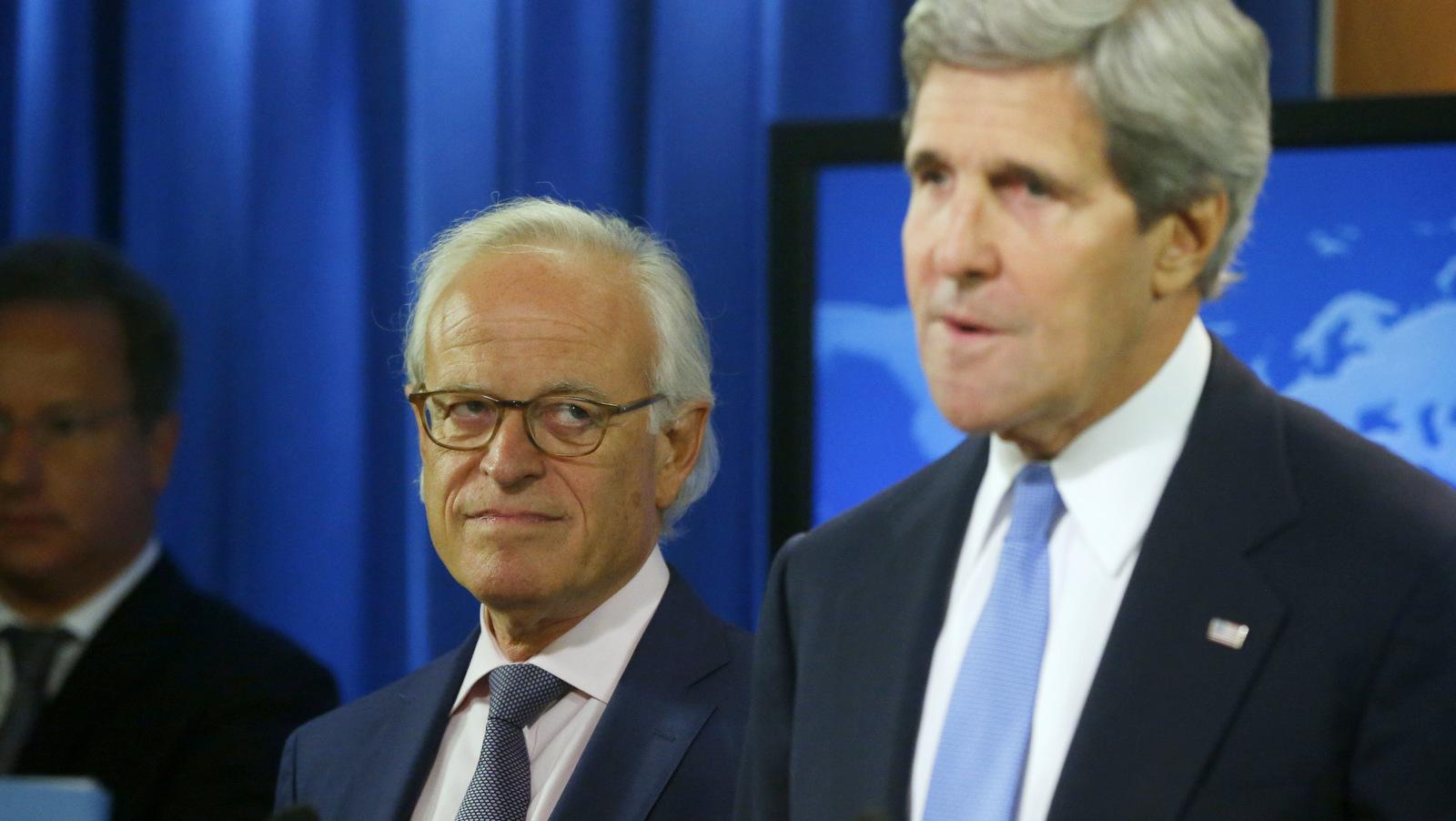 Secretary of State John Kerry stands with former U.S. Ambassador to Israel Martin Indyk at the State Department as he announces that Indyk will shepherd the Israeli Palestinian peace talks beginning in Washington, Monday, July 29, 2013. (AP Photo/Charles Dharapak)