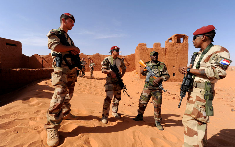 French soldiers (3rd RPIMa) and Nigerien. Fort Madama in Niger, 12 November 2014.