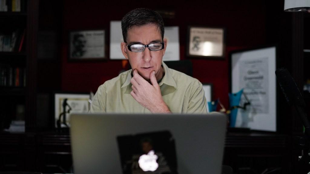 Le gouvernement brésilien accuse le journaliste Glenn Greenwald de cybercrime