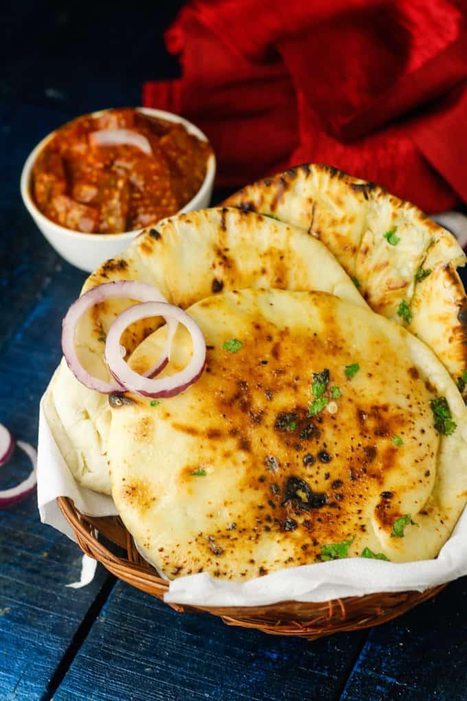 Crispy Cheese Garlic Kulcha Recipe