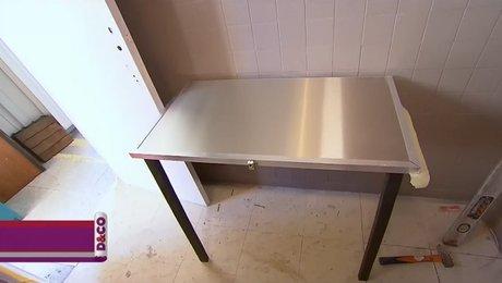 une table murale rabattable et pliante