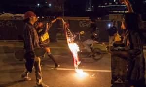 Donald Trump promet des sanctions à toute personne qui brûlerait le drapeau américain