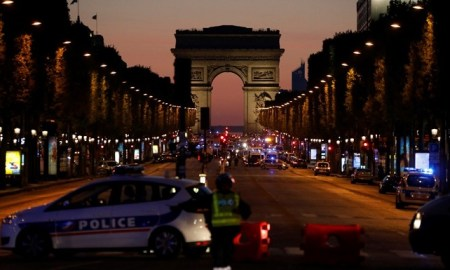 Fusillade champs-elysees
