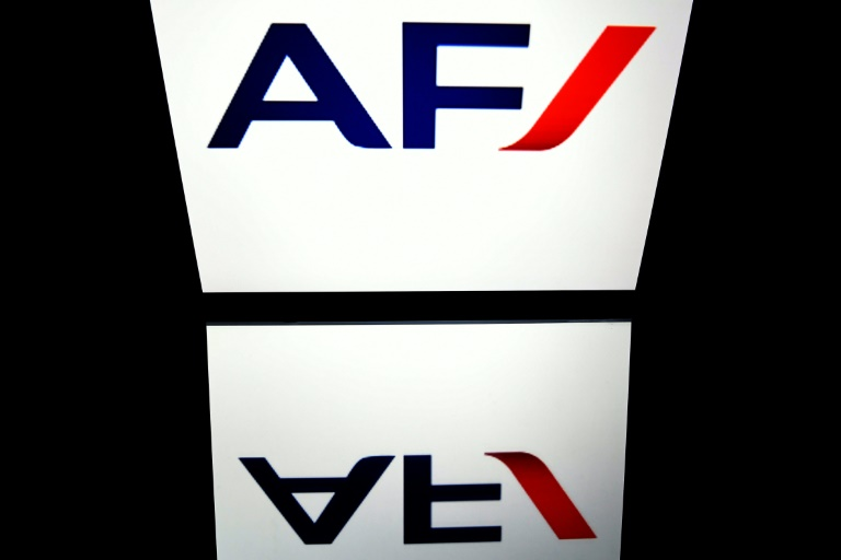 Le logo d'Air France photographié sur une tablette à Paris le 9 avril 2018