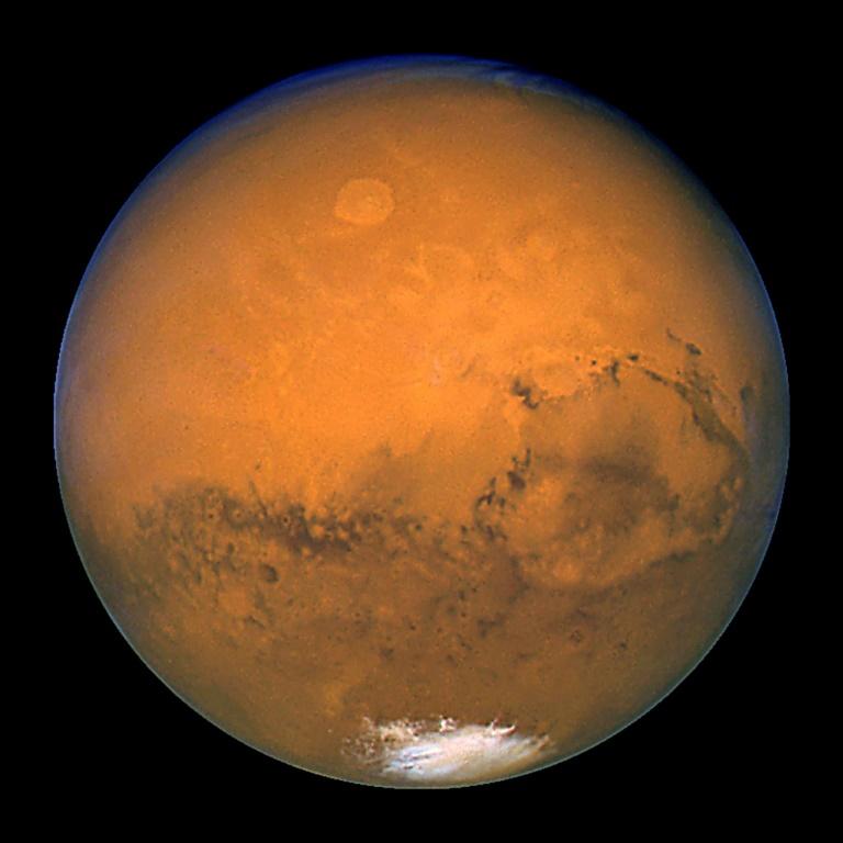 La planète Mars, photographiée par le télescope spatial Hubble et rendue publique le 27 mars 2003 par la Nasa