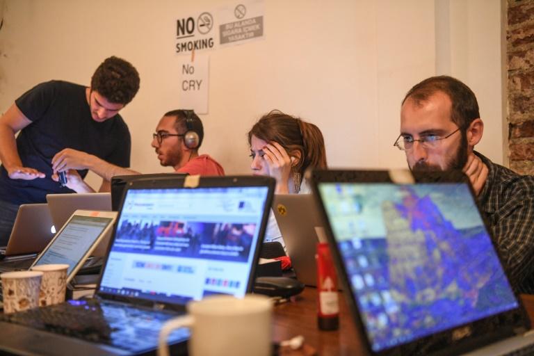 Une équipe de journalistes de Medyascope, le 16 mai 2018 à Istanbul