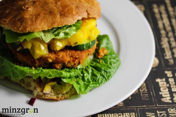 Couscous-Patty Burger mit Mango Chutney