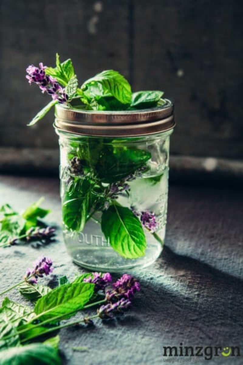 Lavendel Minz Wasser
