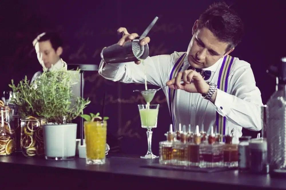 5 Fragen an Profi-Barkeeper Roman Kern aus Sophia´s Bar in München ...