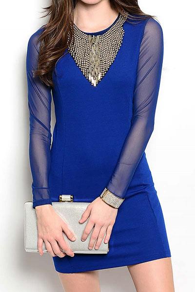 Outfit vestido corto azul rey