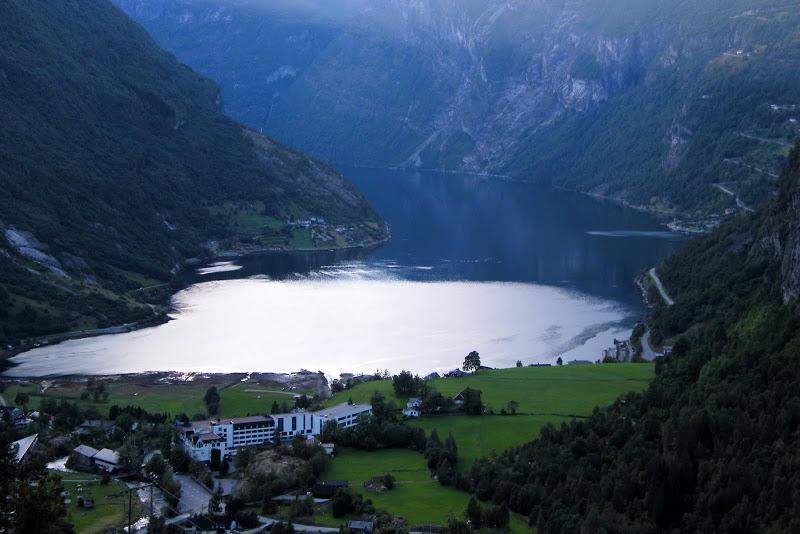 A Geiranger por Lom y la carretera de Strynefjell