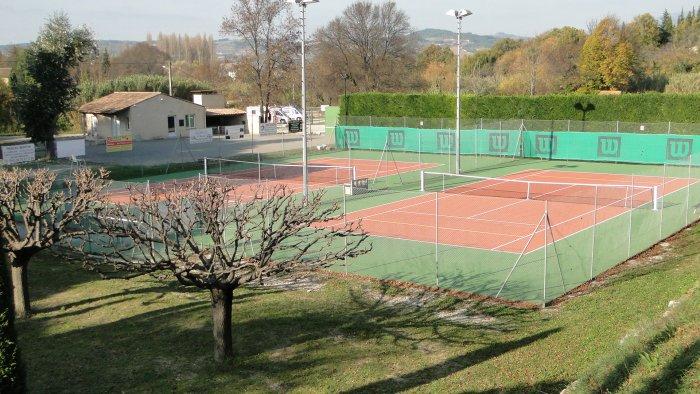 tennisOK