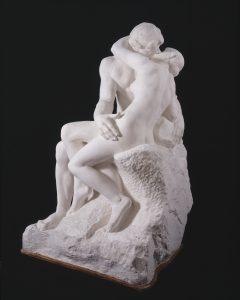 Auguste Rodin, Le Baiser, grand modèle, 1882_Plâtre, 184 x 112 x 110 cm © Musée Rodin, Paris (photo Adam Rzepka)
