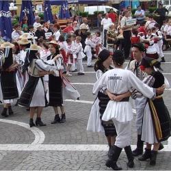 """Spectacolul folcloric """"Dor de primavara"""""""