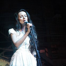 Anca Boieru canta sambata la Casa Schuller