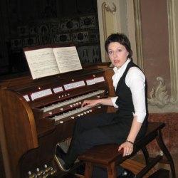 Simona Fruscella canta maine la Medias