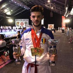 Un mediesean a castigat patru premii la Campionatul European de Karate WUKF