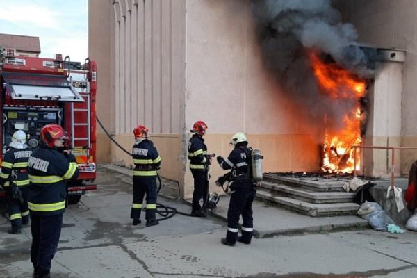 Incendiu la Cinema Mediensis (video)
