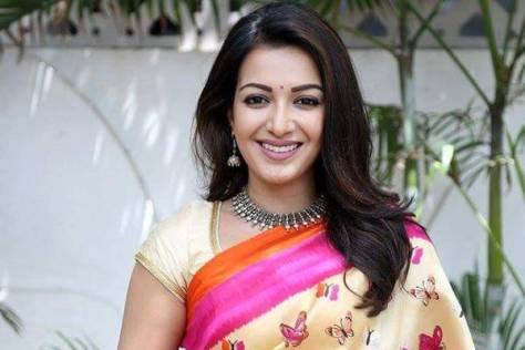 Catherine Tresa sexy South Indian actress Height, Weight, Age, Body Measurement, Bra Size, Husband, DOB, instagram, facebook, twitter, wiki