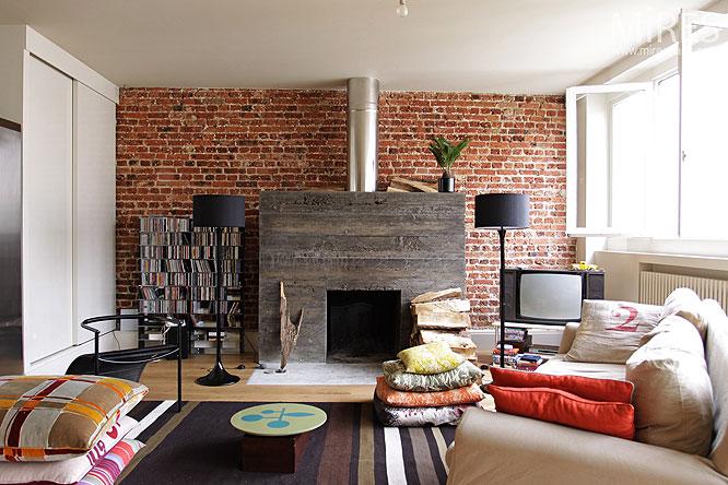 Chemine Moderne Et Mur De Briques C0121 Mires Paris