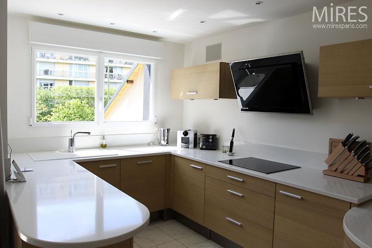 Small Kitchen Tiles Design
