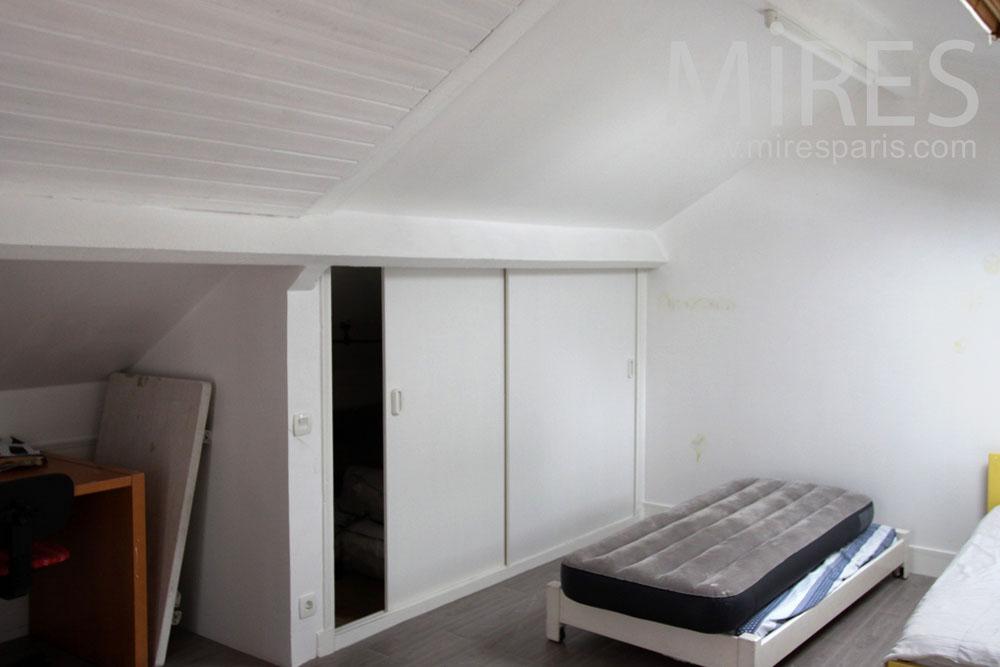 Affordable Chambre Mansarde Pour Les Amis C With Deco