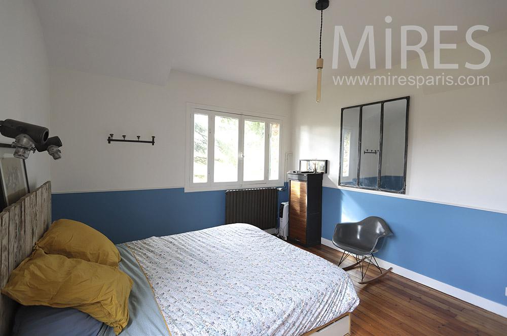 chambre blanche et bleu c1817 mires
