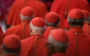Para Kardinal menghadiri seremoni di konsistori Santo Petrus