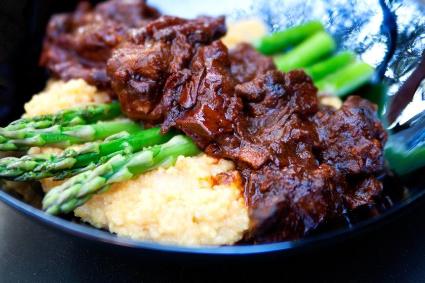 """Spicy Stewed Beef & """"Cheezy"""" Grits"""
