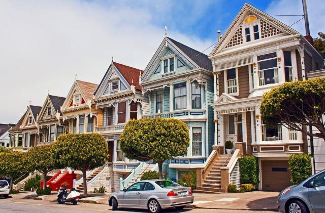 Улица Штайнер (Steiner) в Сан-Франциско с её викторианскими домами Painted Ladies