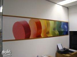 Adesivo na parede de drywall