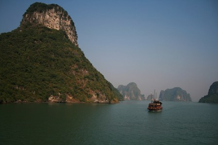 The beautiful Halong Bay (Simone Anderegg via Flickr)