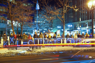 No KXL Candlelight Vigil in Milwaukee (Image by Joe Brusky)