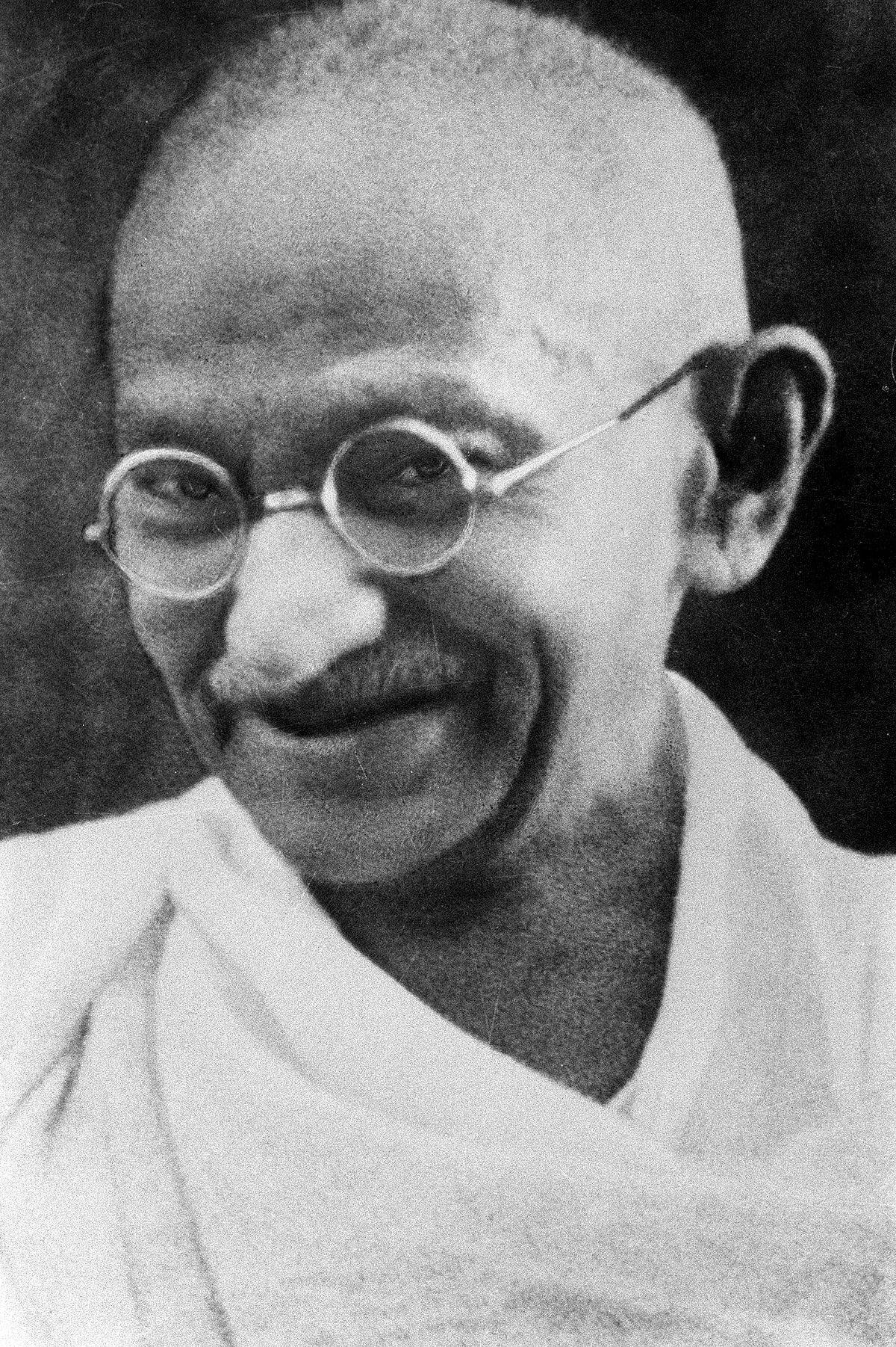 [30.1.] Ubijen Mahatma Gandhi, indijski vođa nacije koji se izborio za nezavisnost Indije putem nenasilne revolucije