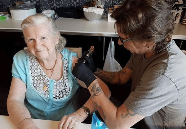 Istetovirani djedovi i bake poručuju svima da je uvijek pravo vrijeme za nova iskustva