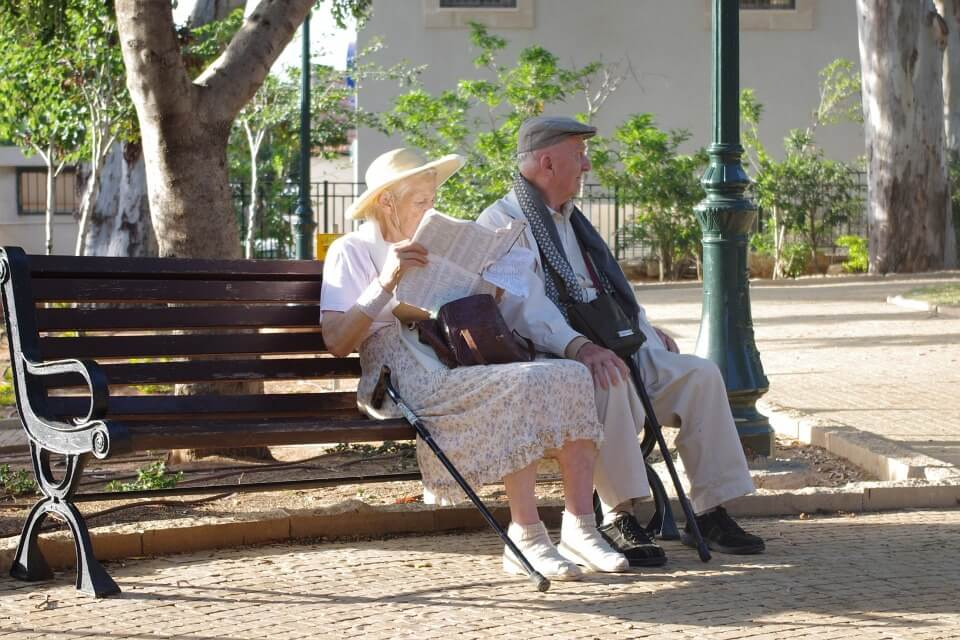 savjeti za upoznavanje starijih osoba uvodne linije za profil na mreži