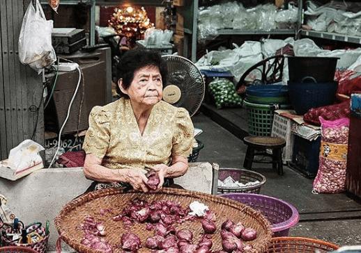 Tajlandski zakon godinama šutio o granici za umirovljenje, pa su mnogi nastavili raditi u starosti