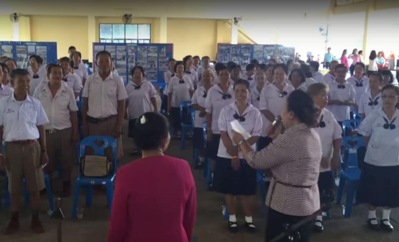 U Tajlandu spajaju ugodno s korsnim: Usamljenim umirovljenicima nude besplatan povratak u školske klupe
