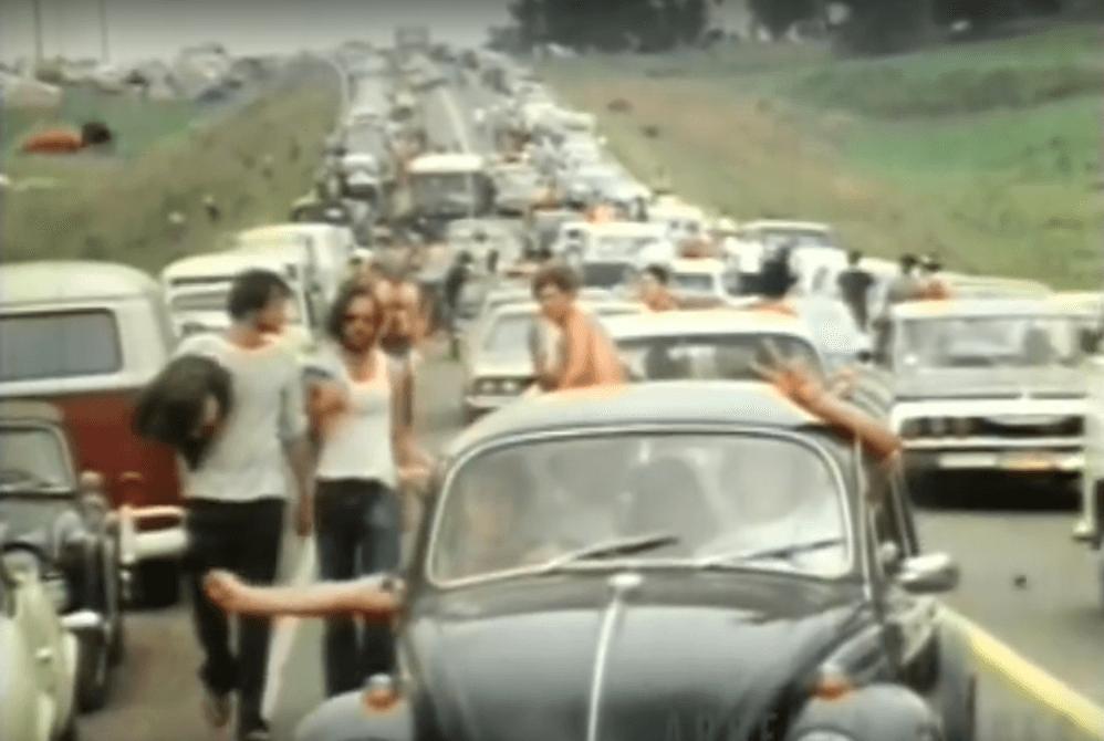 [15.8.] Više od 400.000 hipija pohrlilo na Woodstock, neponovljivi događaj koji je obilježio generaciju