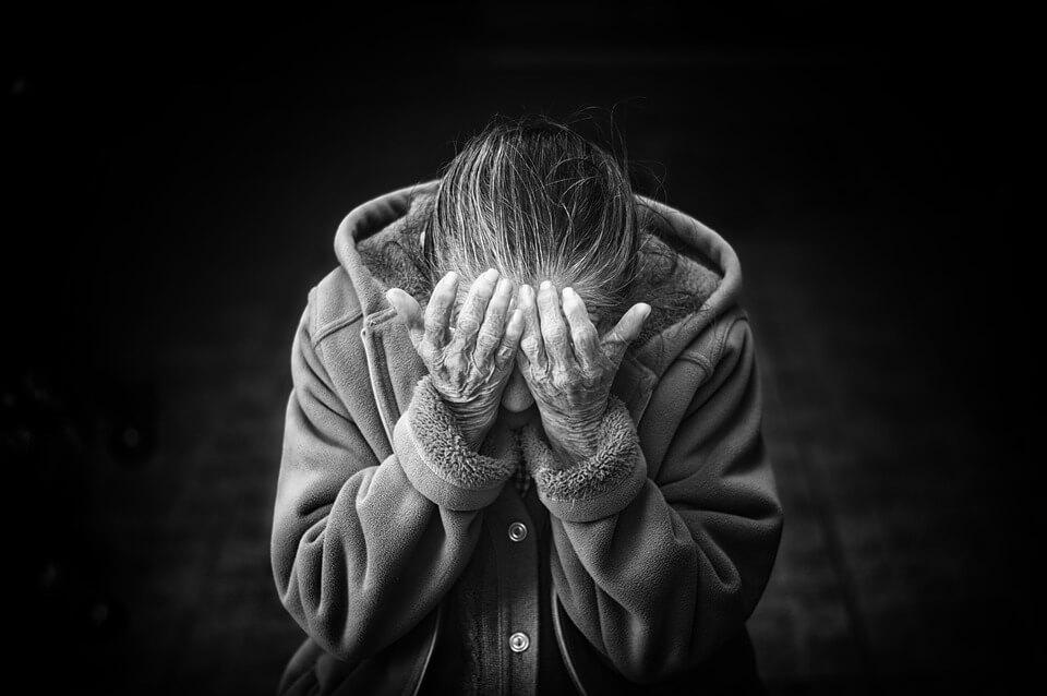 Umirovljenik (65) premlatio staru majku, dobio samo uvjetnu kaznu