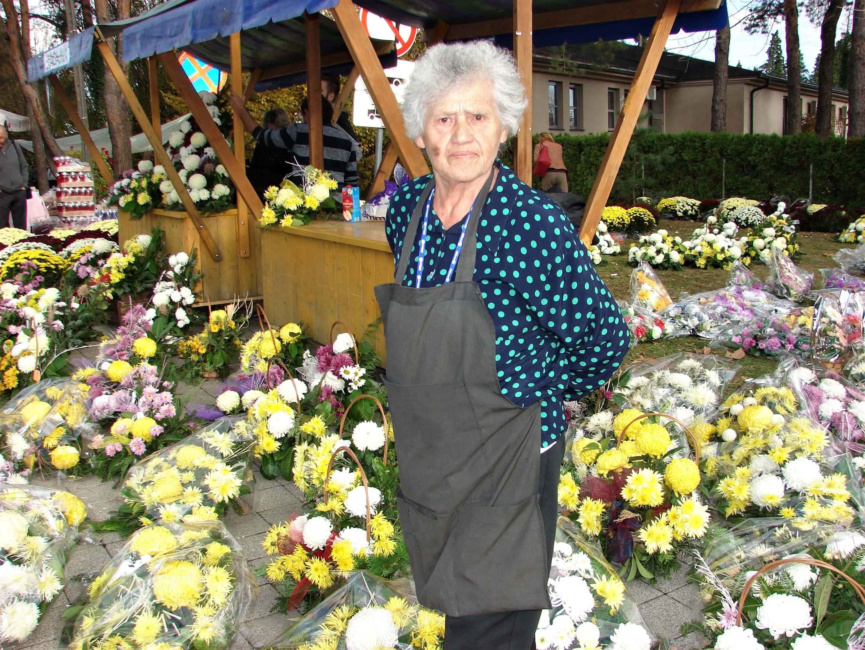 """Baka Ana (84): """"U cvijeću sam. Mi stari moramo delati!"""""""