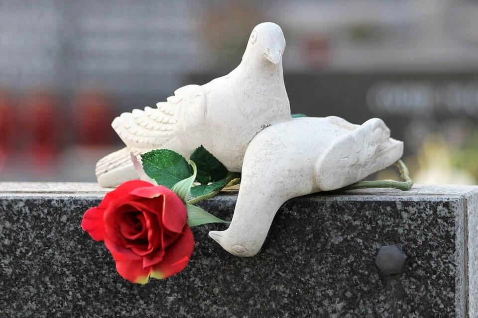 Smrt košta: Za uređene grobnice u oglasniku se traži i do pola milijuna kuna!